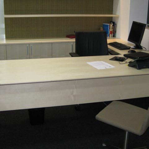 Sycamore veneer office suite